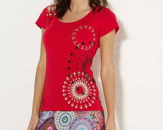 Camiseta Coliine estampado lateral